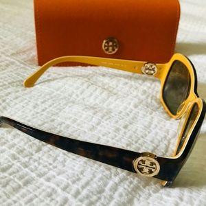 NWOT Tory Birch designer polarized sunglasses